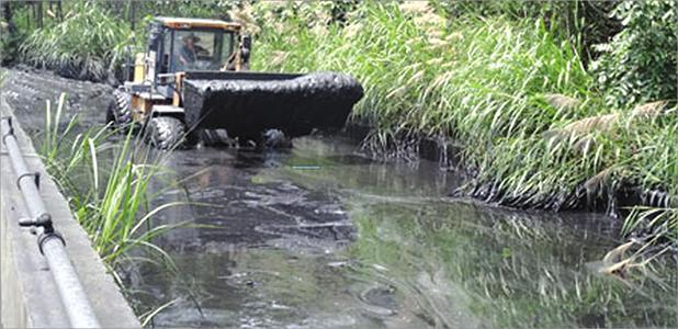 传统煤泥沉淀回收工作现场
