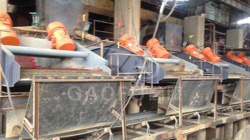 福建泉州某钾长石选矿厂使用高服的振动脱水筛轻松达到干堆效果